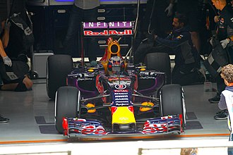 2015 Chinese Grand Prix - Daniel Ricciardo out-qualified teammate Daniil Kvyat for the third successive race, and qualified seventh.