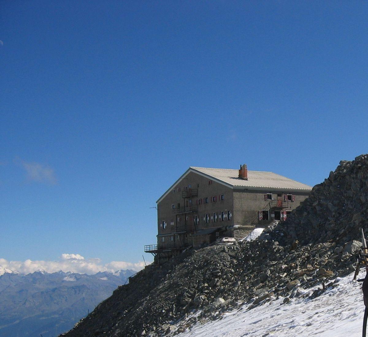 Rifugio alpino wikipedia for Rifugio in baita di montagna