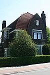 foto van Vrijstaande villa. Het pand is gebouwd in Amsterdamse Schoolstijl