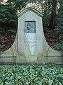 Robert Wilhelm Bunsen Grabstätte.JPG