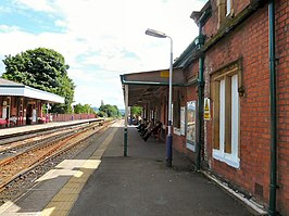 Romiley Station - geograph.org.uk - 1413425.jpg