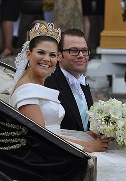 Royal Wedding Stockholm 2010-Slottsbacken-07.jpg