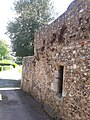 Ruined building, Priory Park Chichester 03.jpg