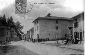 La place et la Grand'Rue, en 1907.