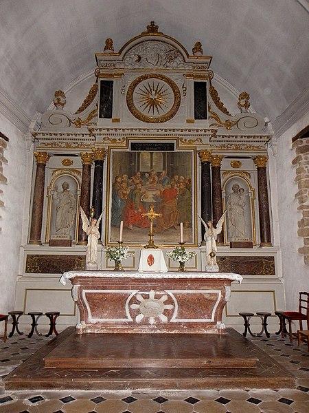 Église Saint-Pierre de Saint-Pierre-des-Landes (53). Maître-autel.