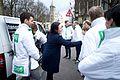 Salima Belhaj, D66, voert campagne voor het associatieverdrag met de Oekraïne (25638949290).jpg