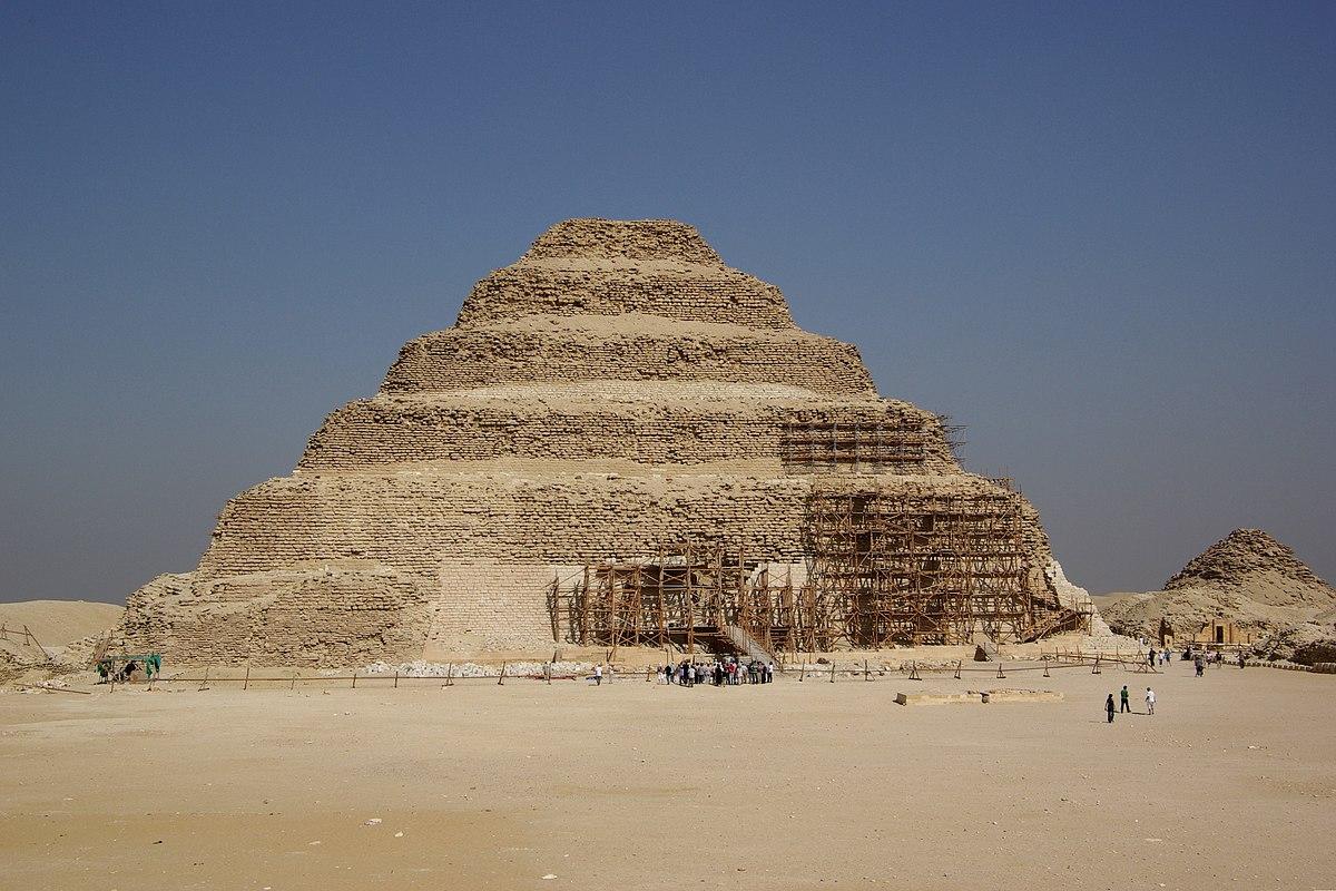 Самая первая Египетская пирамида Джосера: Saqqara BW 5.jpg