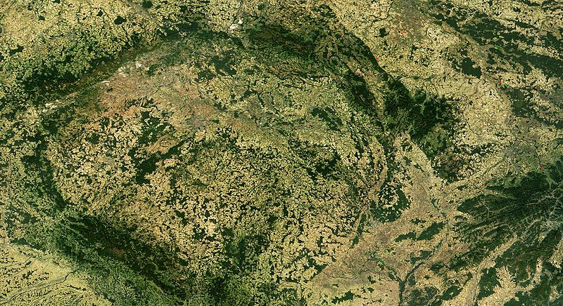 Soubor:Satellite image of Czech Republic in September 2003.jpg