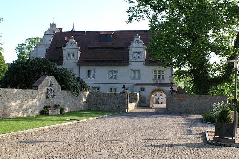 Schloss-Schwoebber Eingangsbereich 0190.jpg