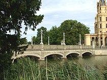 Schlossbrücke Schwerin 2.jpg
