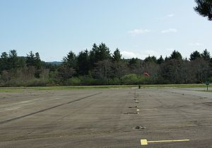 Seaside Municipal Airport plane parking - Oregon.JPG