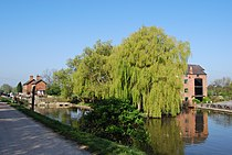 Shardlpw Canal.JPG