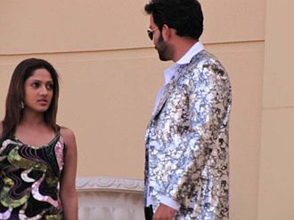 Thanthonni - Actors Sheela and Prithviraj Sukumaran at Dubai location of Thanthonni (2010)