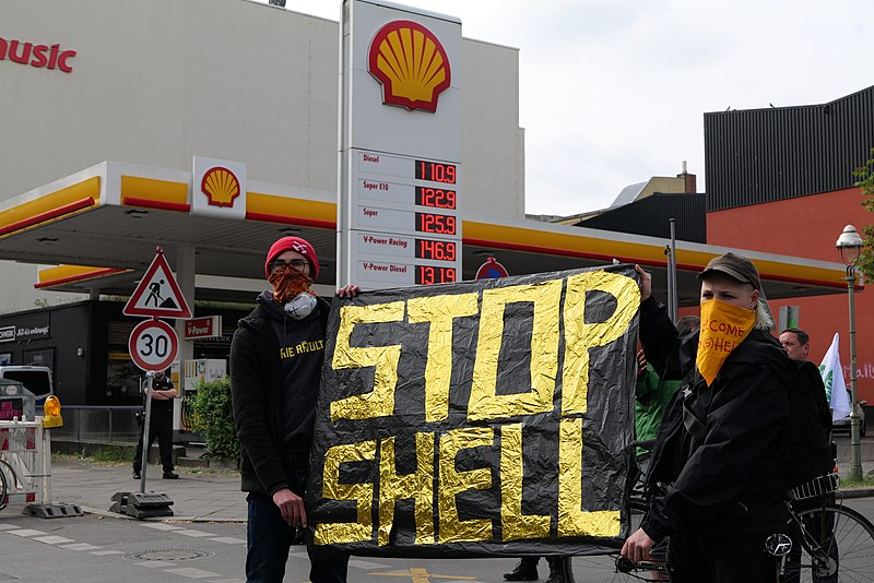 File:Shell must fall protest Berlin 2020-05-19 45.jpg - Wikimedia Commons