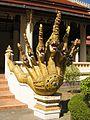 Siebenköpfiger Drachen Wat X Vientiane Laos.jpg