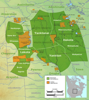 Traditional location of Sioux tribes (dark green and prior to 1770) and their current reservations (orange)