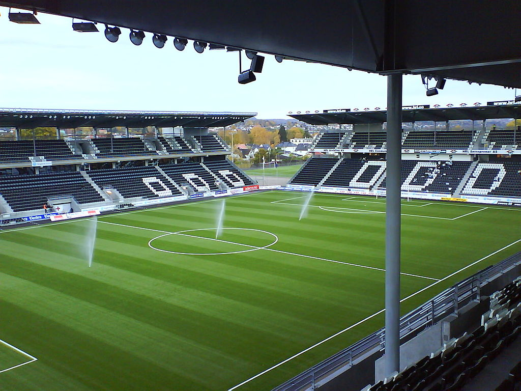 Die Skagerak-Arena. (Quelle: Wikipedia. Foto: Lasse Tollefsen. Lizenz: CC BY-SA 3.0)