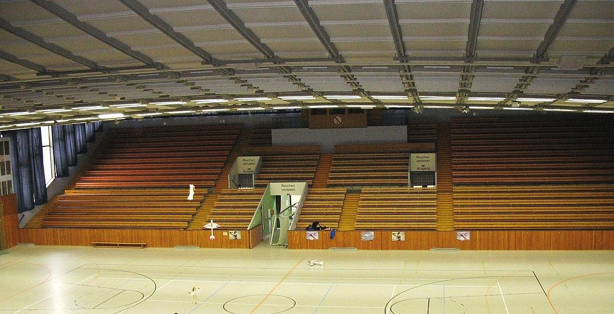 Sporthalle Englisch