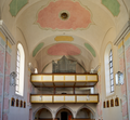 St. Ulrich, Pocking 02 Empore mit Orgel.png