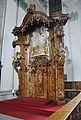 St Gallen Chorgestühl Thronsitz 1.jpg