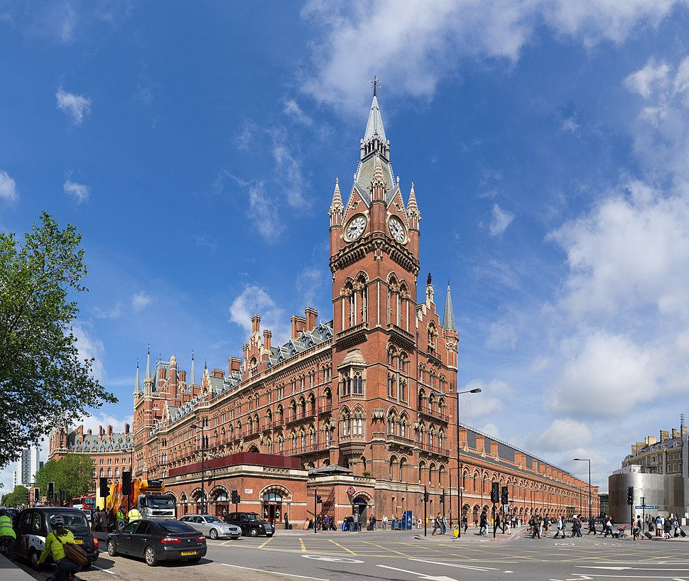 St Pancras Railway Station 2012-06-23.jpg