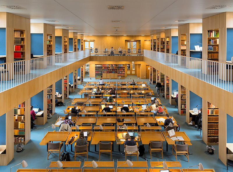 Ficheiro:Statsbiblioteket læsesalen-2.jpg
