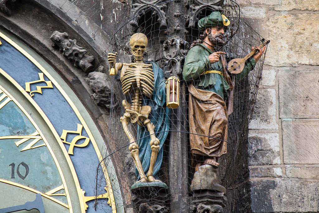 Statues on Prague Astronomical Clock 2014-01 (landscape mode) 3