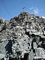 Steinweg-von-der-Bergstation-zum-Gipfel-Mont-Fort.jpg
