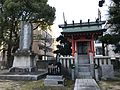 Stele and Haiden of Hirano Shrine 20170202.jpg