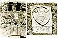 Stemma sulla porta del Castelletto di Vignoni (prima del 1966)(San Quirico d'Orcia) Siena (particolare),.jpg