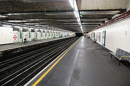 Stepney-green-tube-platform.jpg
