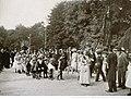 Strasbourg Orangerie 1903 Fête des jardiniers de la confrérie de Saint Fiacre. Formation du cortège.jpg