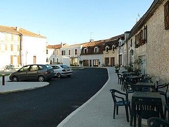 Saint-Séverin - Image: Stseverin place