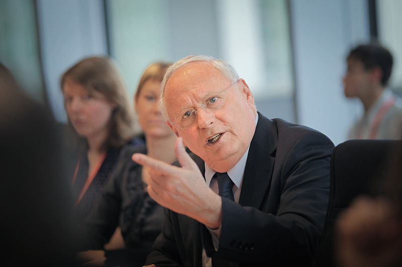 File:Studierendenkonferenz Krise Bildung Zukunft - Oskar Lafontaine.jpg