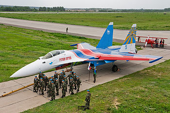 English: Sukhoi Su-35 and Avion MAI F-1 sporti...
