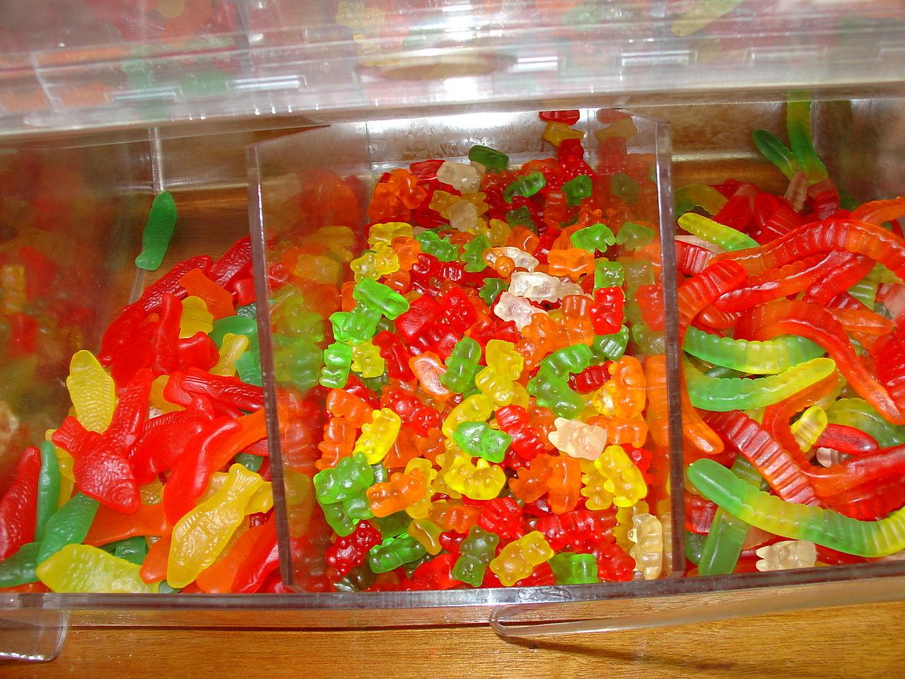 File swedish fish gummi bears and gummi for What is swedish fish