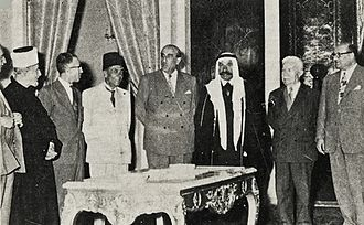 Shukri al-Quwatli - Syrian and Palestinian leaders meeting Quwatli at the presidential palace, 1955. From right to left: Sabri al-Asali, Fares al-Khoury, Sultan Pasha al-Atrash, Quwatli, Mohamed Ali Eltaher, Nazim al-Qudsi, Amin al-Husayni and Muin al-Madi
