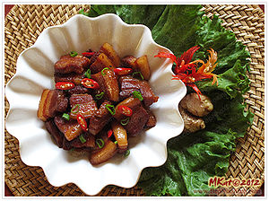 Kho (cooking technique) - Thịt lợn kho (braised pork belly)
