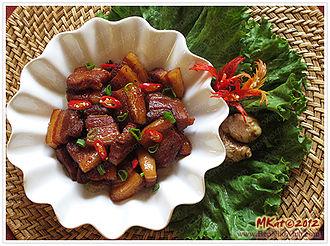Kho (cooking technique) - Thịt lợn kho (braised pork belly)