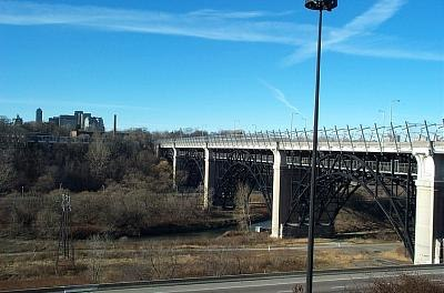 Toronto-bloorviaduct