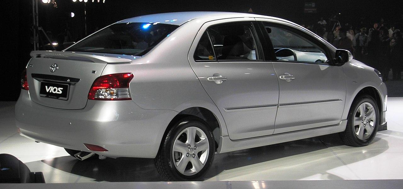 File:Toyota Vios (S) (second generation) (rear), Kuala Lumpur.jpg - Wikimedia Commons
