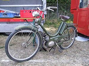 Triumph (TWN) - Triumph Knirps moped