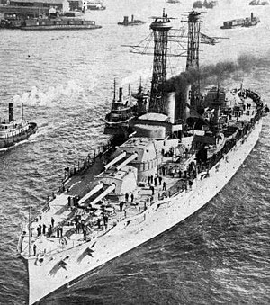 USS Texas (BB-35) - Texas in World War I (after July 1916 and before October 1917): The two large steel towers are her lattice masts, which were replaced with a tripod version during her modernization overhaul in 1925–1926.