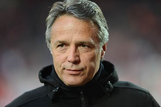 Union-Trainer Uwe Neuhaus vor Anpfiff (10315274593)