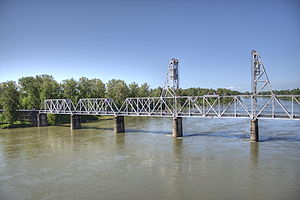 w:Union Street Railroad Bridge in Salem, Orego...