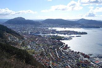 Bergenhus - View of Bergenhus (foreground)
