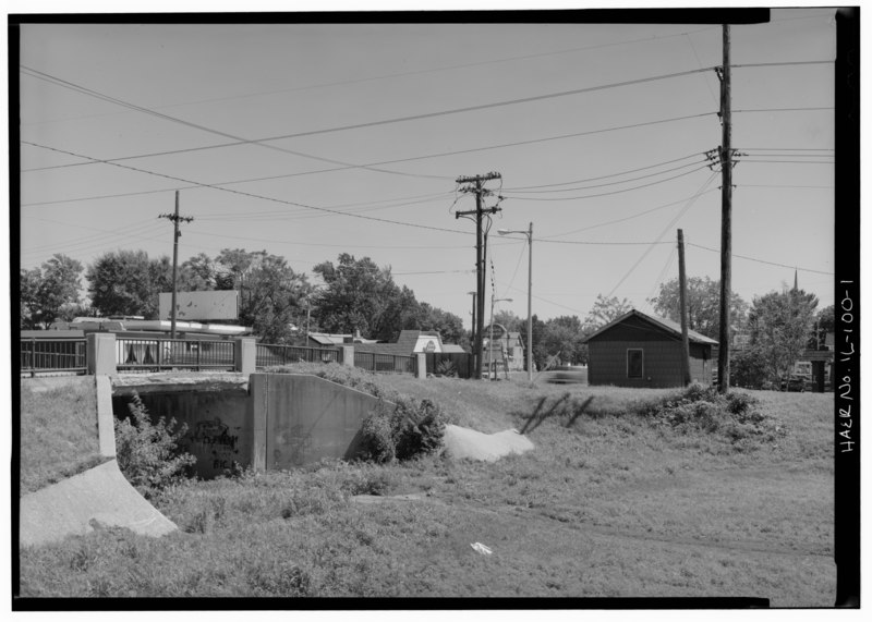 File:VIEW OF TOLL HOUSE (RIGHT) FROM CANAL PRISM, LOOKING SOUTHEAST - Illinois and Michigan Canal, Ottawa Toll House, Ottawa, La Salle County, IL HAER ILL, 50-OTWA, 6-1.tif