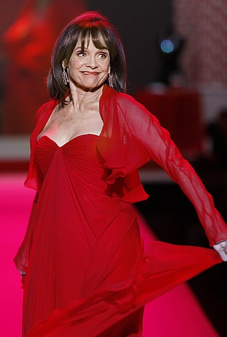 Valerie Harper - Harper at 2010 The Heart Truth