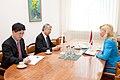 Valsts kancelejas direktore Elita Dreimane tiekas ar Japānas vēstnieku Latvijā Tošijuki Tagu (8800110134).jpg
