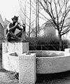 Vasút utca a Szakorvosi Rendelőintézet előtt. Faun-szobor (Boldogfai Farkas Sándor, 1968-as alkotása, ma a Millecentenáriumi Emlékparkban található). Fortepan 70420.jpg